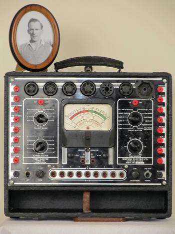 Simpson model 440 VTVM-Valve Tester