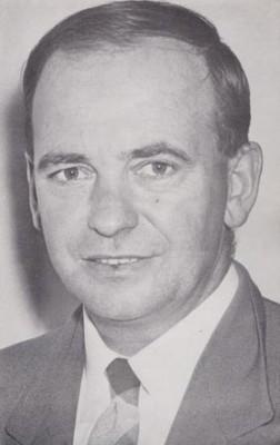 lloyd Warburton